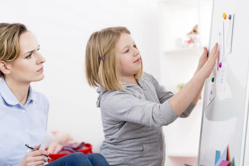 Éducateur spécialisé autisme
