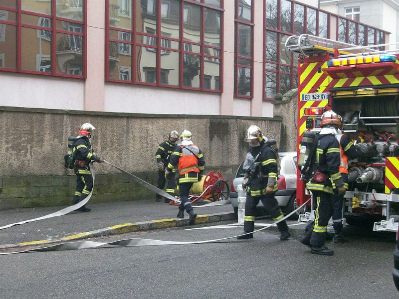 Pompiers en intervention incendie