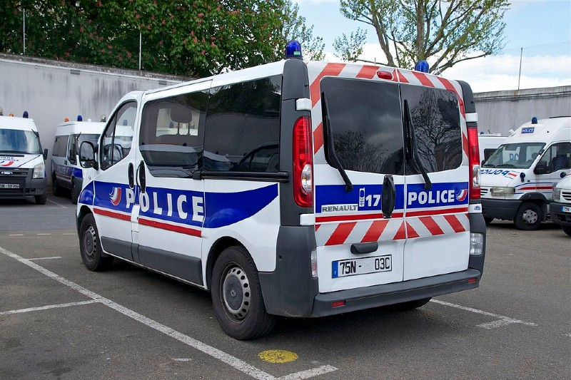Camion de la Police Nationale