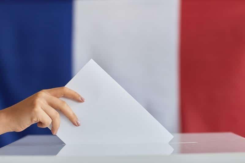 Femme votant